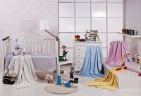 Pokój dziecka z kolorowymi dodatkami
